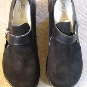 JAMBU Shoes - Women's Black JBU Mules Size 8.5 M